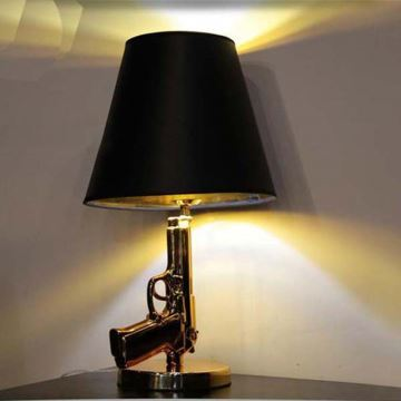 Lampe De Table Doree Pistolet Led H42 6cm Lampe A Poser Design Pour