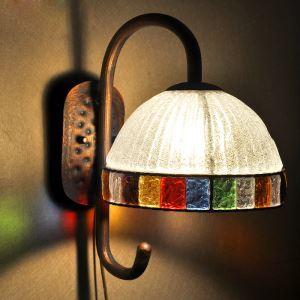 (Entrepôt UE) Style européen Abat-jour en verre coloré matériel en fer 1 lumières Applique murale