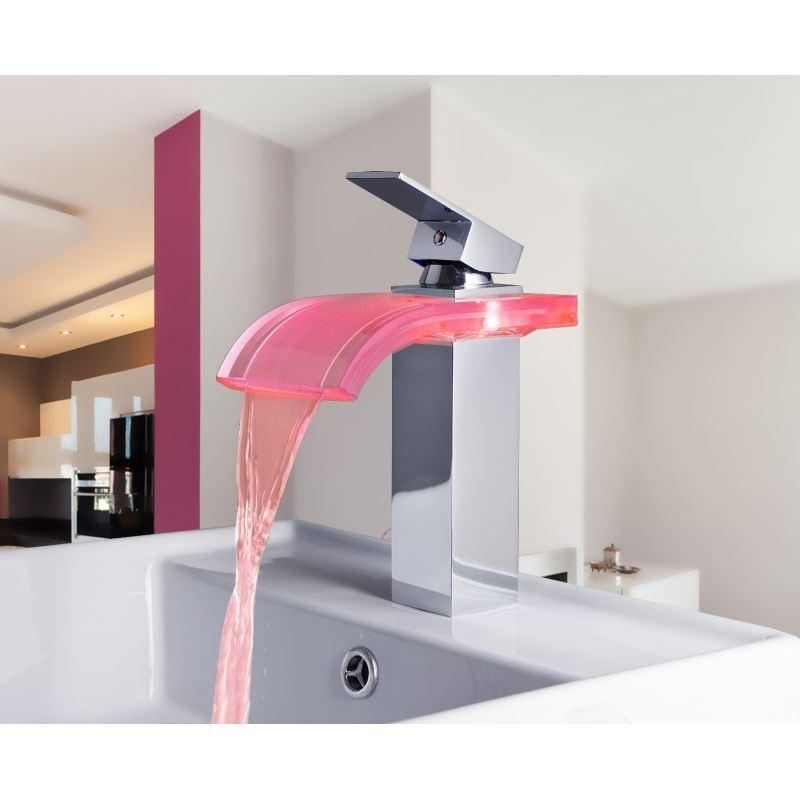 Robinet de lavabo en verre ontemporain chrom led pour for Robinet pour salle de bain