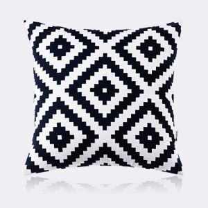 coussin noir et blanc géométrique