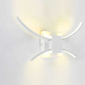 Applique murale blanc LED design style moderne luminaire pour chambre couloir salle restaurant
