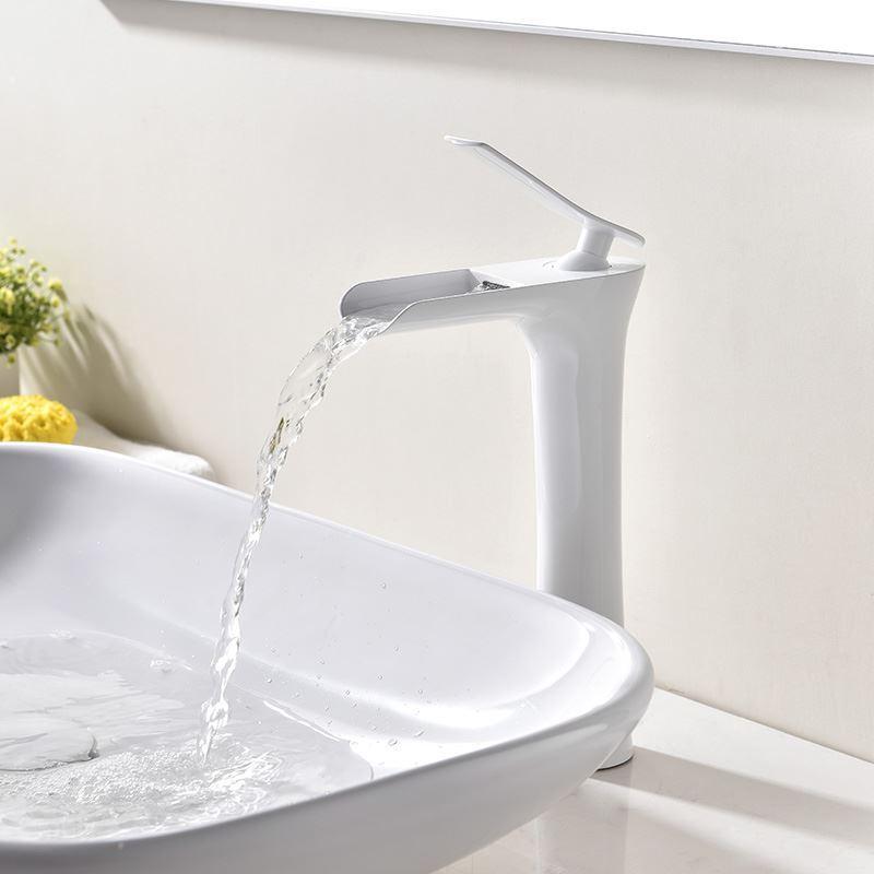 robinet de lavabo blanc peinture de cuisson eau froide chaud pour salle de bain. Black Bedroom Furniture Sets. Home Design Ideas
