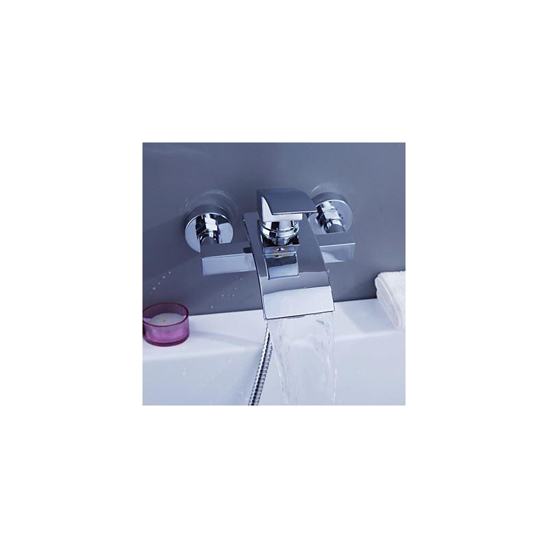 m langeur de baignoire cascade laiton chrom pour salle de bains contemporaine. Black Bedroom Furniture Sets. Home Design Ideas