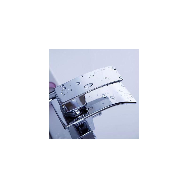 Entrep t ue robinet de baignoire montage mural cascade - Cascade salle de bain ...