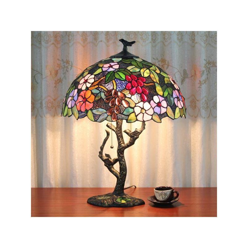 Lampe lampes de tiffany lampe poser tiffany for Lampe de table classique