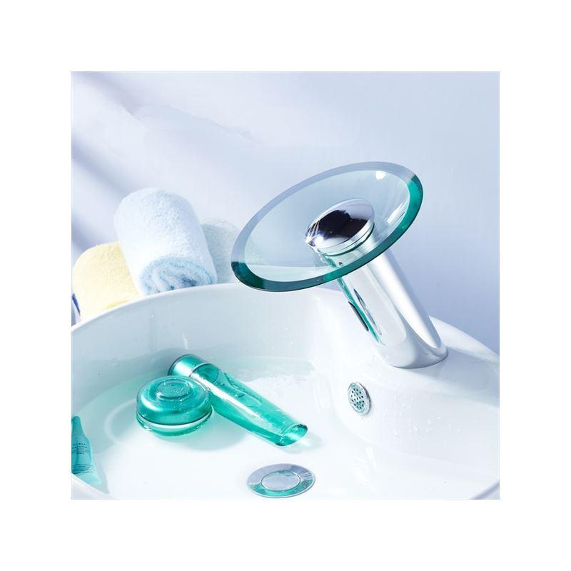Robinets robinet avec capteur entrep t ue robinet for Robinet salle de bain cascade