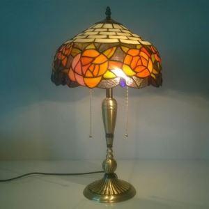 (Entrepôt UE) Paradisiaque européen Rétro Rose Tiffany Lampe de table avec 2 lumières