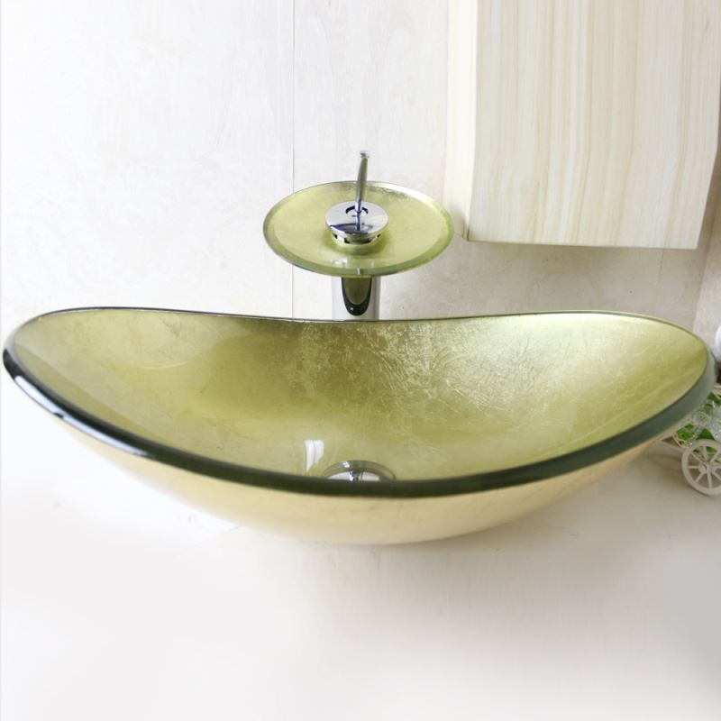 lavabo en verre tremp avec robinet cascade pour salle de bains. Black Bedroom Furniture Sets. Home Design Ideas
