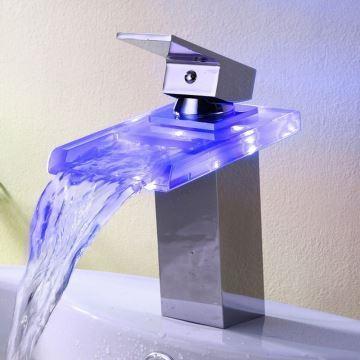 Robinet de lavabo chromé mitigeur cascade LED pour salle de bain ...