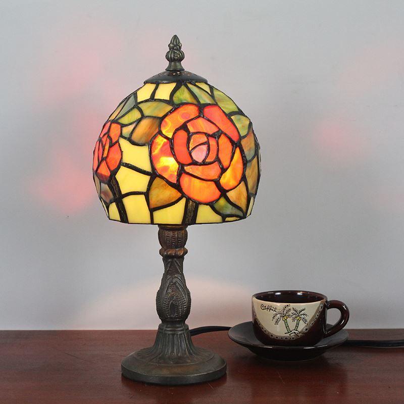Lampe poser en verre tiffany motif rose rouge luminaire pour chambre coucher salon restaurant - Luminaire pour chambre a coucher ...