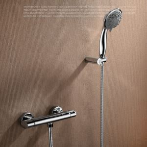 Robinet de douche pour salle de bain chromé style moderne simple installé au mur 3 trous 1 poignée