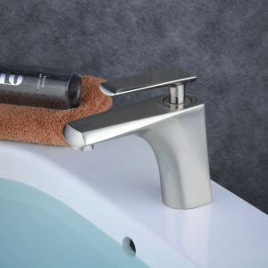 Mitigeur de lavabo inox brossé H 15.5 cm pour salle de bains toilettes
