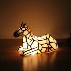 Lampe à poser tiffany en verre D16cm cheval blanc pour salon chambre