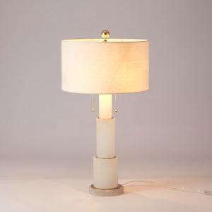 Lampe à poser en fer marbre abat-jour de tissu H70cm blanc pour salon chambre