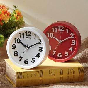 Horloge silencieuse en plastique ABS rond 2 modèles simple moderne