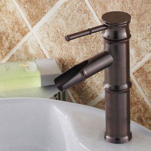 Robinet cascade de salle de bain traditionnel en bambou