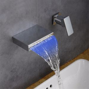 Robinet de lavabo cascade LED chromé à deux poignées pour salle de bains
