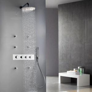 Système de douche encastré au mur contemporain avec 6 jets de corps
