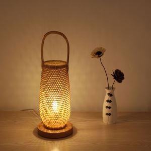 Lampe de table japonaise tissée en bambou à la mode pour salon hôtel café
