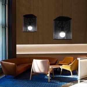 Suspension noire en fer moderne design original pour salon chambre à coucher