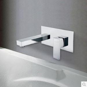 Robinet de lavabo chromé contemporain montage mural pour salle de bain toilettes