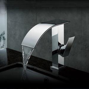 Robinet de lavabo cascade pour salle de bain contemporaine (finition chromée)